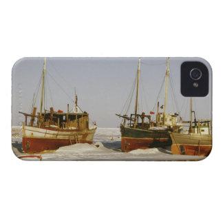 Barcos de pesca antiquados, resistidos encalhados capinha iPhone 4