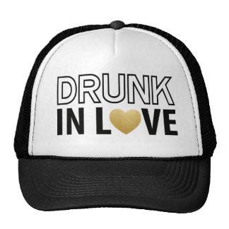 Bebado no preto do amor & no chapéu do camionista boné