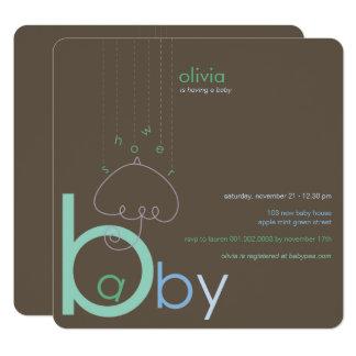 """Bebê """"a"""" no convite bonito azul do chá de fraldas"""