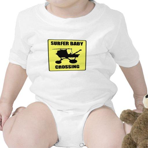 Bebê do surfista tshirts