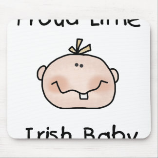 Bebê irlandês orgulhoso do menino mousepad