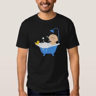 Bebé na banheira - impressão do chá de fraldas tshirt