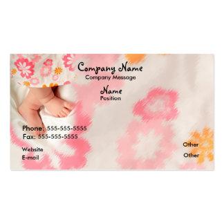 Bebê no rosa cartão de visita