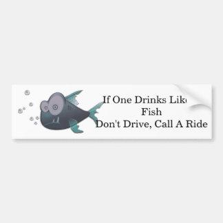 Bebida como um peixe adesivo para carro