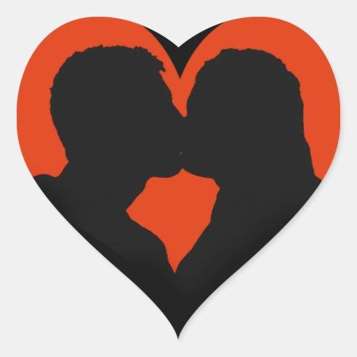Qual O Artesanato Das Ostras ~ Beijando a silhueta do casal no coraç u00e3o vermelho adesivo coraç u00e3o Zazzle