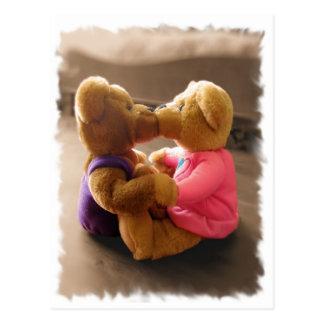 Beijando o cartão dos ursinhos