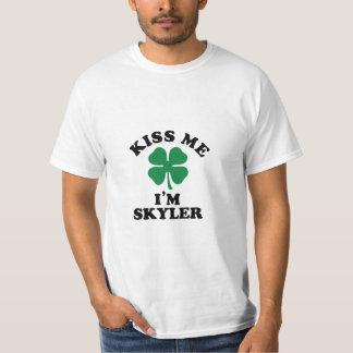 Beije-me, Im SKYLER Camisetas