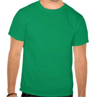 Beije-me o dia de St Patrick engraçado Tshirts
