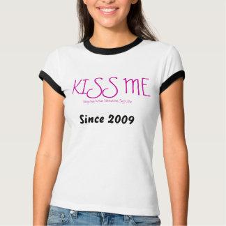 BEIJE-ME o T da mulher Camiseta