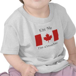 Beije-me que eu sou canadense t-shirt