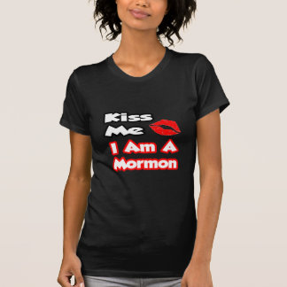 Beije-me… que eu sou um Mormon T-shirts