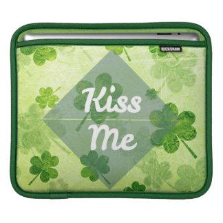 Beije-me trevo bolsa para iPad