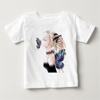 Beijo da borboleta, Daisey Van Diesel Camiseta