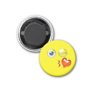 Beijo Emoji do piscar os olhos Imã