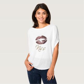 Beijo - lábios do brilho do rosa da obscuridade camiseta