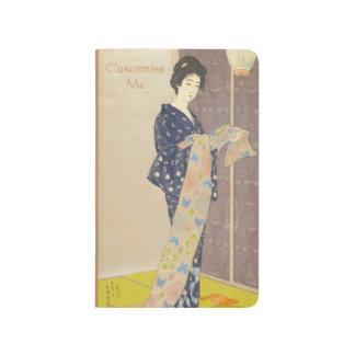 Beleza japonesa no quimono do verão diário