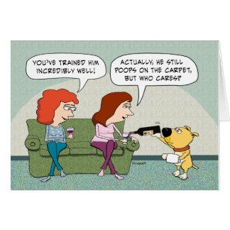 Bem treinado engraçado, aniversário do cão do cartão comemorativo