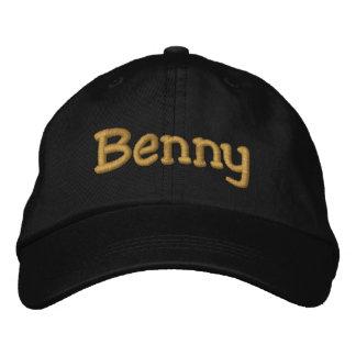 Benny personalizou o boné de beisebol/chapéu