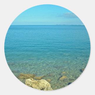 Bermuda: Águas do verde azul Adesivos Redondos
