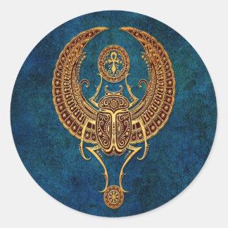 Besouro egípcio voado com Ankh - azul do Adesivo Redondo