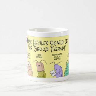Besouros e terapia do grupo caneca de café