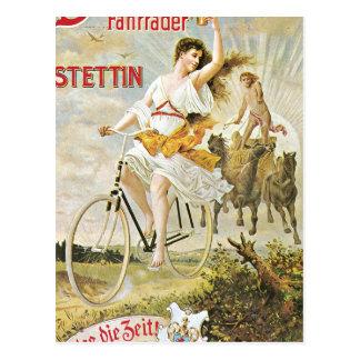 Bicicleta bonito do vintage da equitação da menina cartão postal