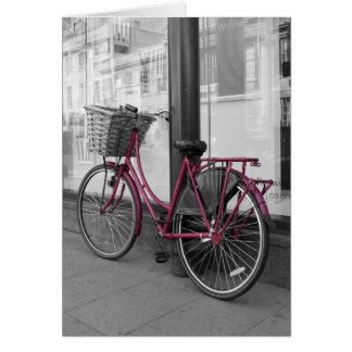 Bicicleta cor-de-rosa cartão comemorativo