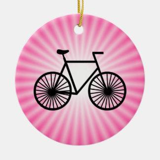 Bicicleta cor-de-rosa ornamento de cerâmica redondo