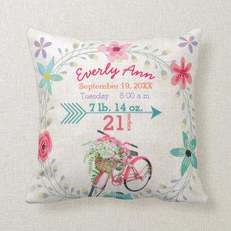 Bicicleta cor-de-rosa retro do vintage do bebé do almofada