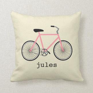 Bicicleta cor-de-rosa travesseiro personalizado