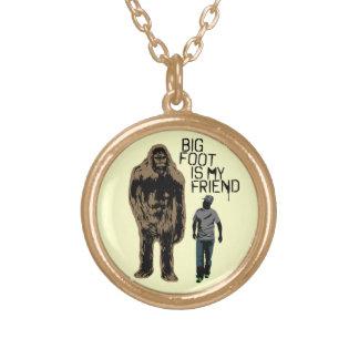 Bigfoot é meu amigo colar com pendente redondo