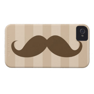 Bigode de Brown e capa de iphone 4 das listras