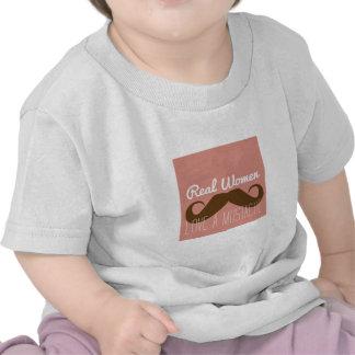 Bigode do amor das mulheres camiseta