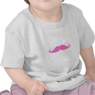 Bigode feminino engraçado das bolinhas do rosa que t-shirt