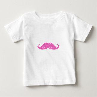 Bigode feminino engraçado das bolinhas do rosa t-shirt