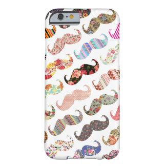 Bigodes coloridos femininos engraçados dos padrões capa barely there para iPhone 6