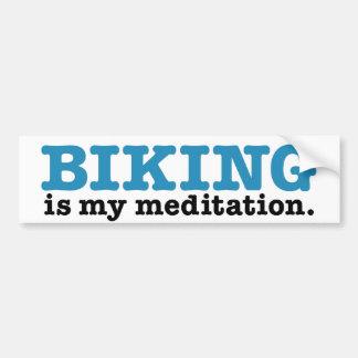 Biking é meditação (a rota azul) adesivo para carro