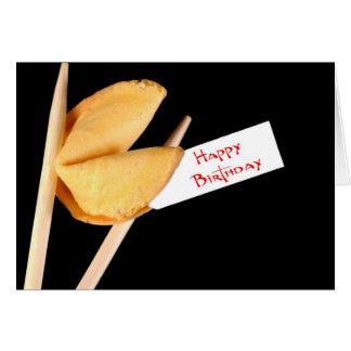 Biscoito de fortuna do feliz aniversario cartão