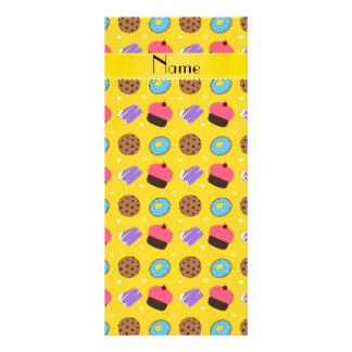 Biscoitos amarelos conhecidos do bolo das 10.16 x 22.86cm panfleto