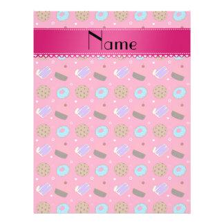 Biscoitos cor-de-rosa conhecidos do bolo das panfleto personalizado