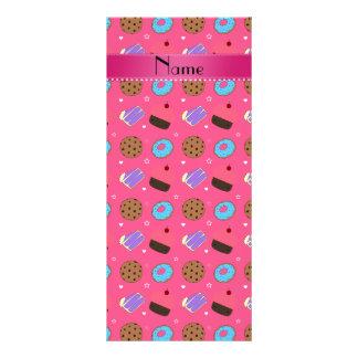 Biscoitos cor-de-rosa conhecidos do bolo das 10.16 x 22.86cm panfleto
