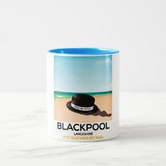"""Blackpool """"beija-me rapidamente"""" poster do trem do caneca de café em dois tons"""
