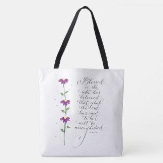 Blessed é ela inspiração para a tipografia das bolsas tote