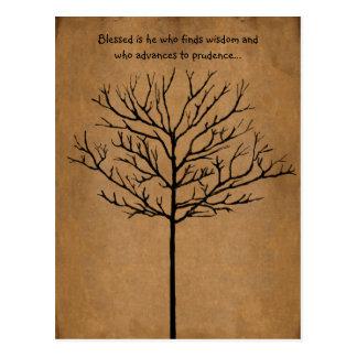 Blessed é ele que procura a sabedoria uma árvore cartão postal
