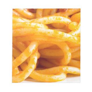 Bloco De Anotação Vista macro detalhada nos espaguetes cozinhados em