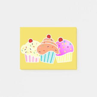 Bloco De Notas 3 cupcakes na nota amarela
