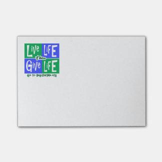 Bloco De Notas A vida viva dá então a vida