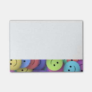 Bloco De Notas Arco-íris das caras felizes coloridas