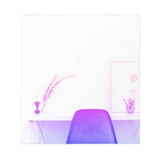 Bloco De Notas Cadeira roxa de Ombre da mesa de