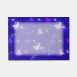 Bloco De Notas Design azul escuro das borboletas claras do fulgor